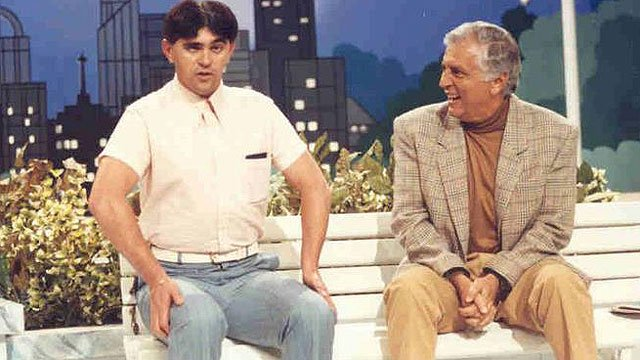 Batoré na época em que participava do programa de humor do SBT, A Praça É Nossa apresentada por Carlos Alberto de Nóbrega (Foto: Reprodução)