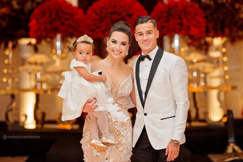 Coutinho, Aine e a filha do casal (Foto: Reprodução)