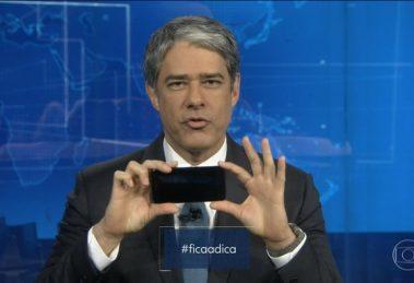 William Bonner dá dicas de como gravar vídeo para a Globo durante o JN (Foto: Reprodução/Globo)