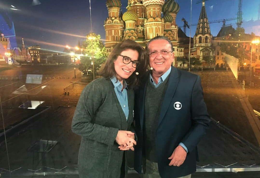 Renata Vasconcellos e Galvão Bueno no estúdio do Jornal Nacional na Rússia (Foto: Reprodução)
