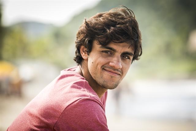 Elmo como o Felipe Simas em O Tempo Não Para (Foto: Globo/João Miguel Júnior)