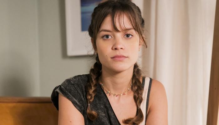 A atriz Joana Borges interpreta a personagem Verena (Foto: Reprodução)