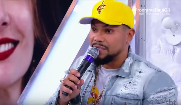 Naldo detonou a apresentadora da RedeTV! (Foto: Reprodução/SBT)