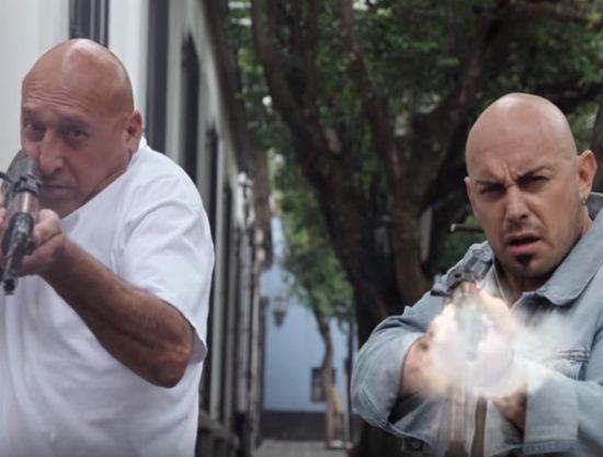 Cena da novela Por Amar Sin Ley. (Foto: Reprodução/Televisa)