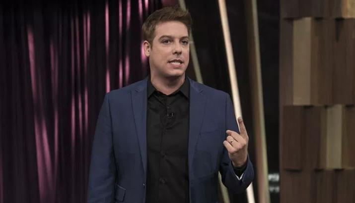 Fabio Porchat em seu talk show na Record. (Foto: Divulgação)