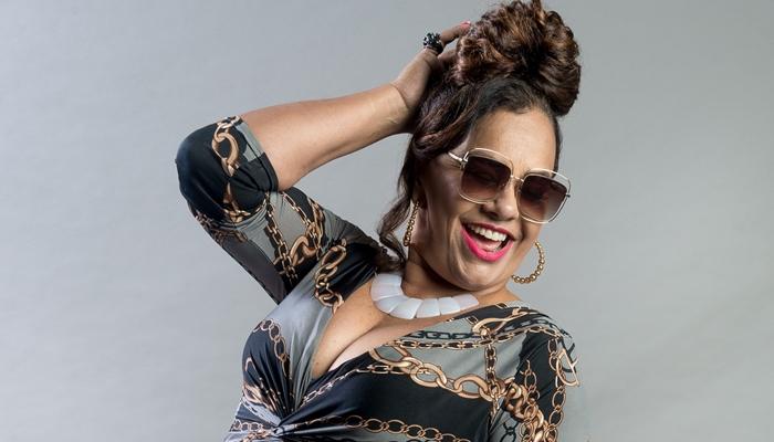 Coronela (Solange Couto) em O Tempo Não Para (Foto: Globo/Raquel Cunha)
