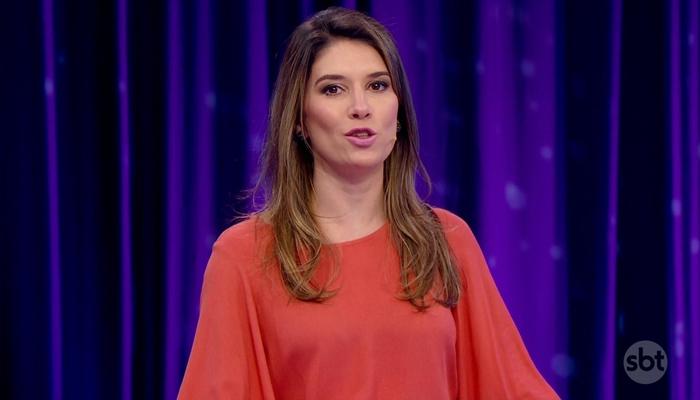 Rebeca Abravanel no comando do Roda a Roda<br /> (Foto: Reprodução/SBT)