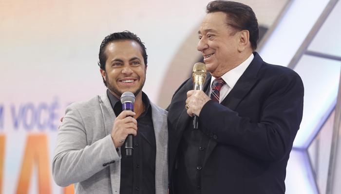 Thammy Miranda ao lado de Raul Gil durante programa no SBT (Foto: Rodrigo Belentani/SBT)