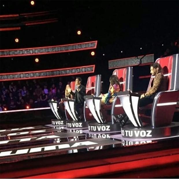 Anitta durante as gravações do La Voz (Foto: Reprodução/Instagram)