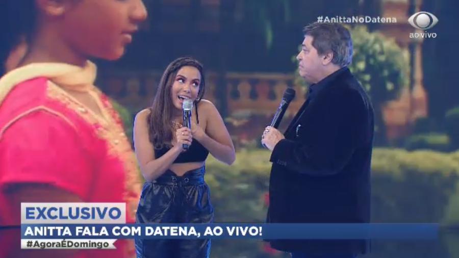 Anitta e Datena no Agora é Domingo (Foto: Reprodução)