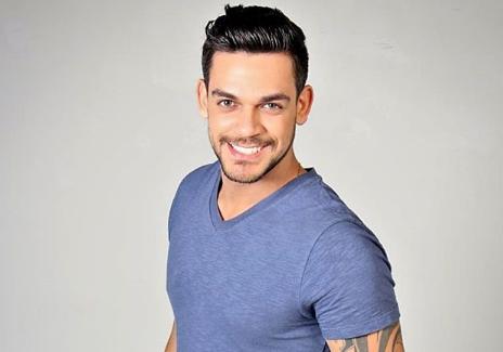 O ator Caíque Aguiar. (Foto: Reprodução/Instagram)