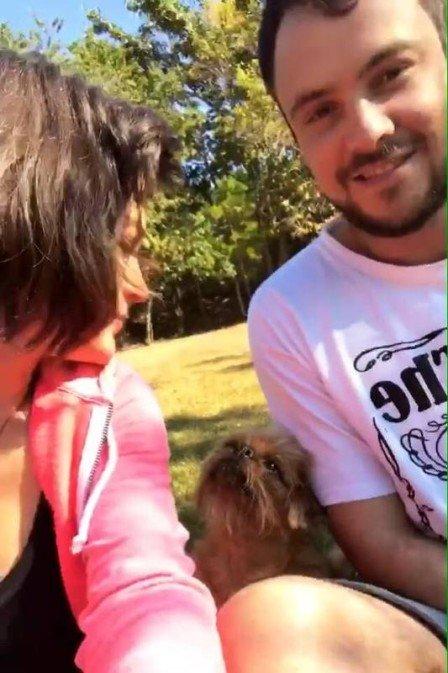 Sergio Guizé e Bianca Bin fazem programinha em família (Foto: Reprodução)