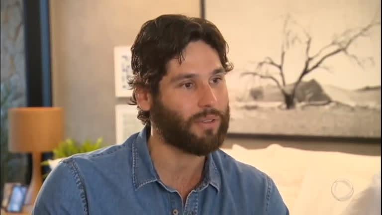 Dudu Azevedo é Jesus na novela da Record (Foto: Reprodução)