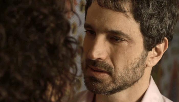Edgar(Caco Ciocler) em cena de Segundo Sol (Foto: Reprodução/Globo)
