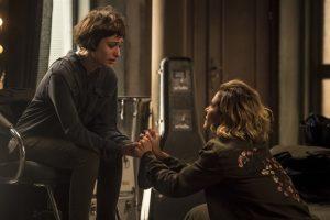 Manu (Luisa Arraes) e Luzia (Giovanna Antonelli) em cena de Segundo Sol (Foto: Globo/João Cotta)