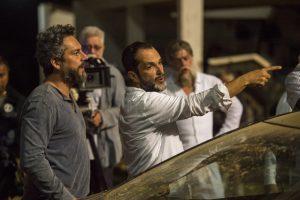 Alexandre Nero e Fabio Assunção são dirigidos por José Luiz Villamarim em cena do último capítulo (Foto: Globo/Estevam Avellar)