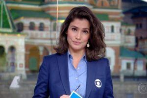 """Renata Vasconcellos apresenta o """"Jornal Nacional"""" na Praça Vermelha, em Moscou, na Rússia Imagem: Reprodução/TV Globo"""