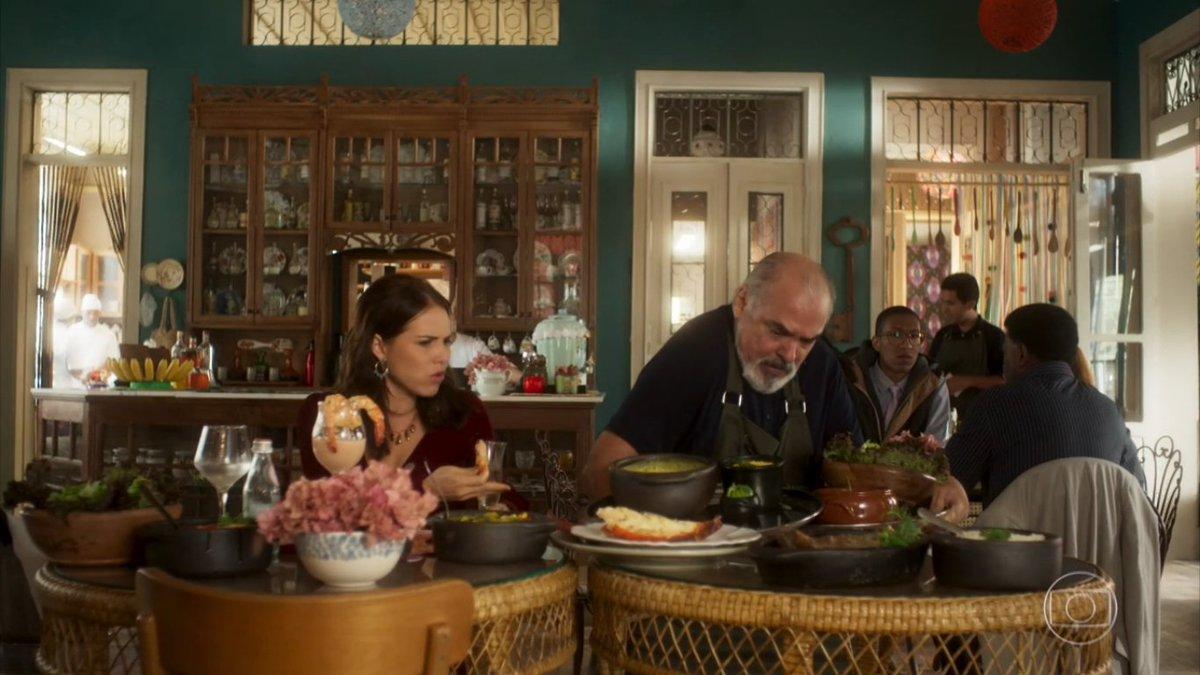 Rosa (Letícia Colin) e Agenor (Roberto Bonfim) em Segundo Sol, novela da Globo (Foto: Reprodução)
