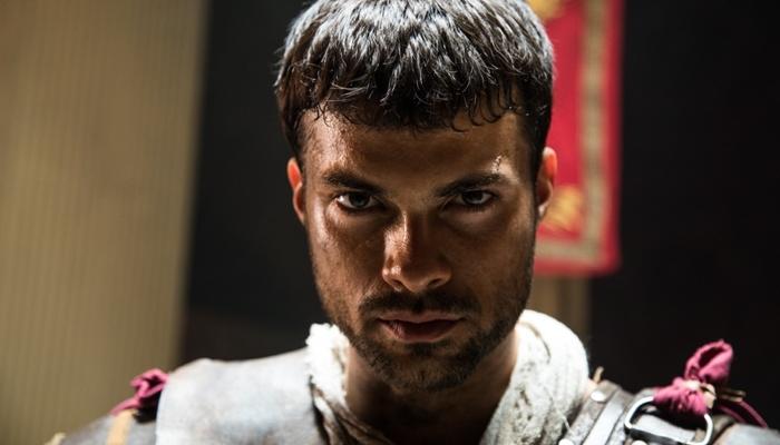 Victor Sparapane (Petronius) em cena de Jesus, nova novela bíblica da Record (Foto: Edu Moraes/ Record)
