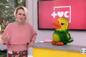 Ana Maria Braga e o Louro José no Mais Você (Foto: Reprodução/Globo)