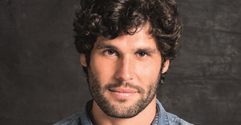 Dudu Azevedo interpretou Jesus em novela da Record (Foto: Reprodução)