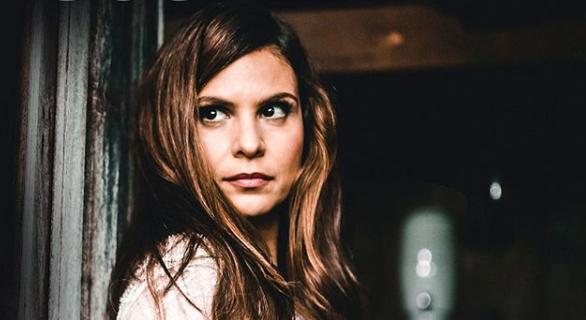 Cantora gospel, Aline Barros relembra momentos difíceis da infância no programa do Rodrigo Faro, da Record (Foto: Reprodução/Instagram
