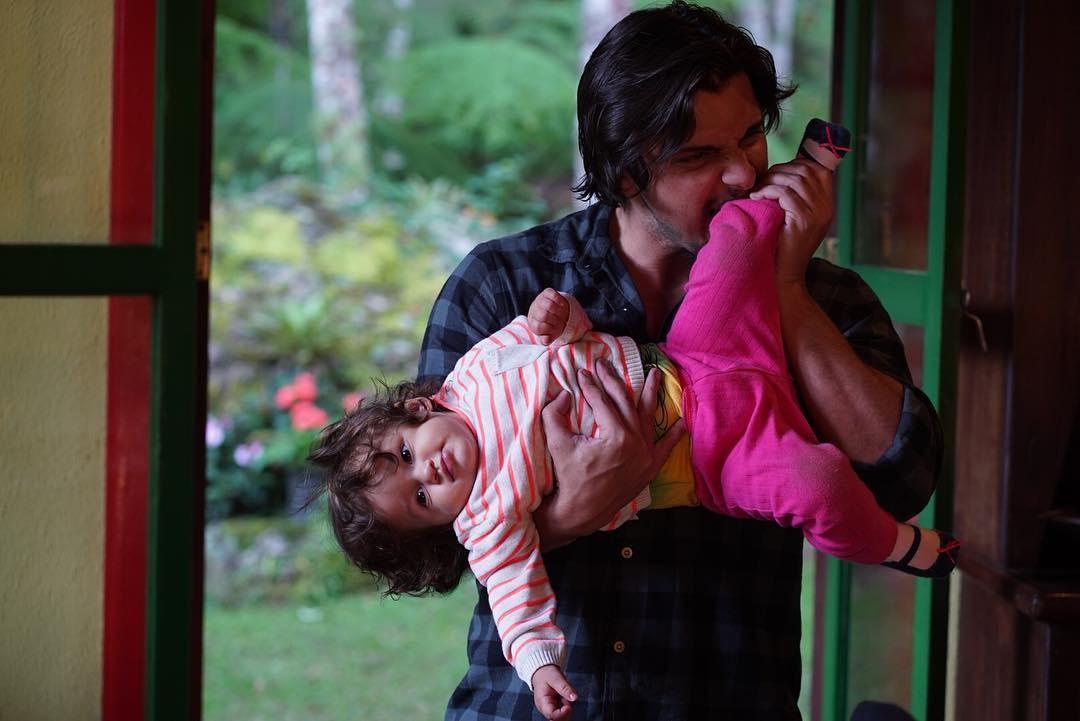 Bruno Gissoni e a filha (Foto: Divulgação)