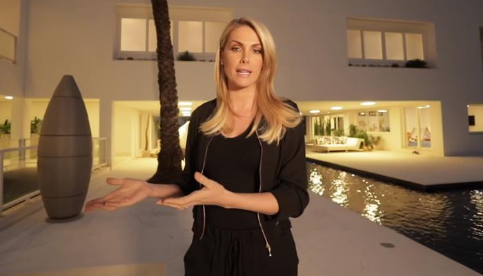 Ana Hickmann em sua mansão em Itu (Foto: Reprodução/Youtube)