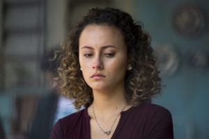 Maria Alice (Alice Milagres) triste em cena de Malhação (Foto: Globo/Estevam Avellar)
