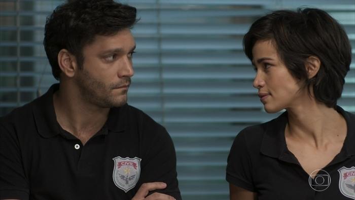 Ionan (Armando Babaioff) e Maura (Nanda Costa) em cena de Segundo Sol (Foto: Reprodução/Globo)