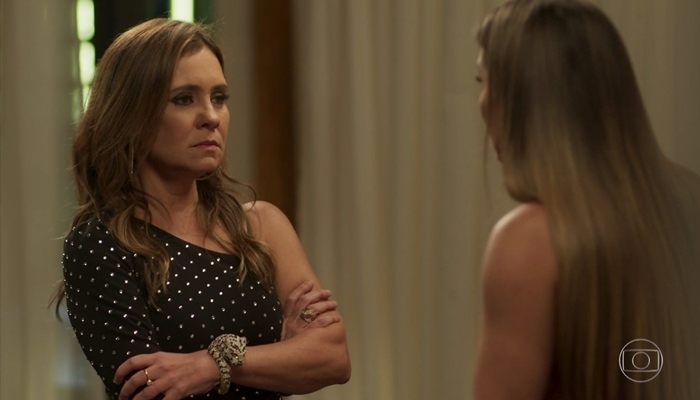Laureta (Adriana Esteves) em cena de Segundo Sol (Foto: Reprodução/Globo)