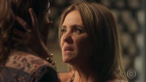 Laureta (Adriana Esteves) eRosa (Letícia Colin) em cena de Segundo Sol (Foto: Reprodução/Globo)