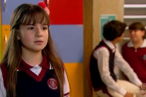 Sophia Valverde é Poliana na novela infantil do SBT. (Foto: Reprodução)