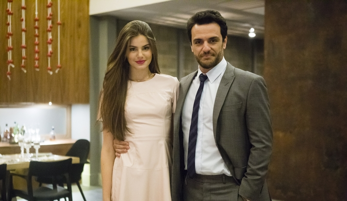 Camila Queiroz e Rodrigo Lombardi protagonizaram Verdades Secretas, escrita por Walcyr Carrasco. (Foto: Divulgação)