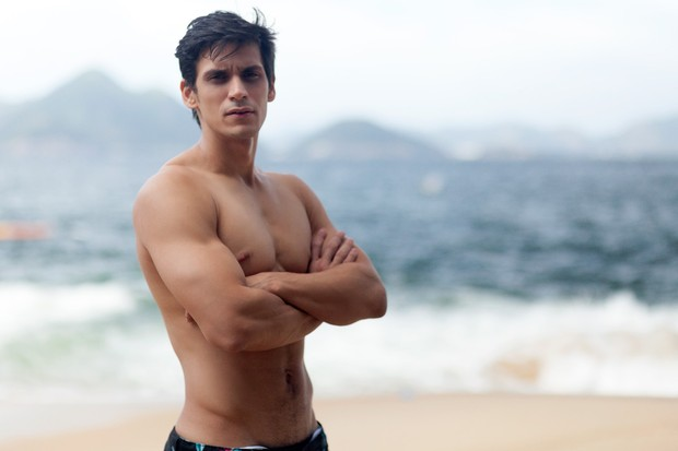 Thadeu Matos que atuou como neto da personagem de Susana Vieira em Senhora do Destino em 2014