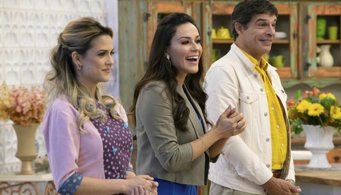 A apresentadoraNadja Haddad e os jurados Beca Milano eOlivier Anquier do Bake Off Brasil (Foto:Victor Silva/SBT)