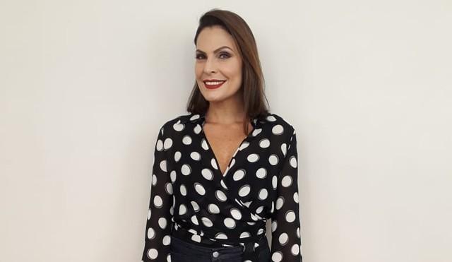 Laura Muller chama atenção no Altas Horas da Globo (Foto: Duda Freitas/Gshow)