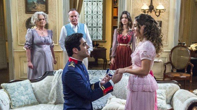Lídia e Randolfo ficam noivos em Orgulho e Paixão (Foto: Estevam Avellar/ Globo/ Divulgação)