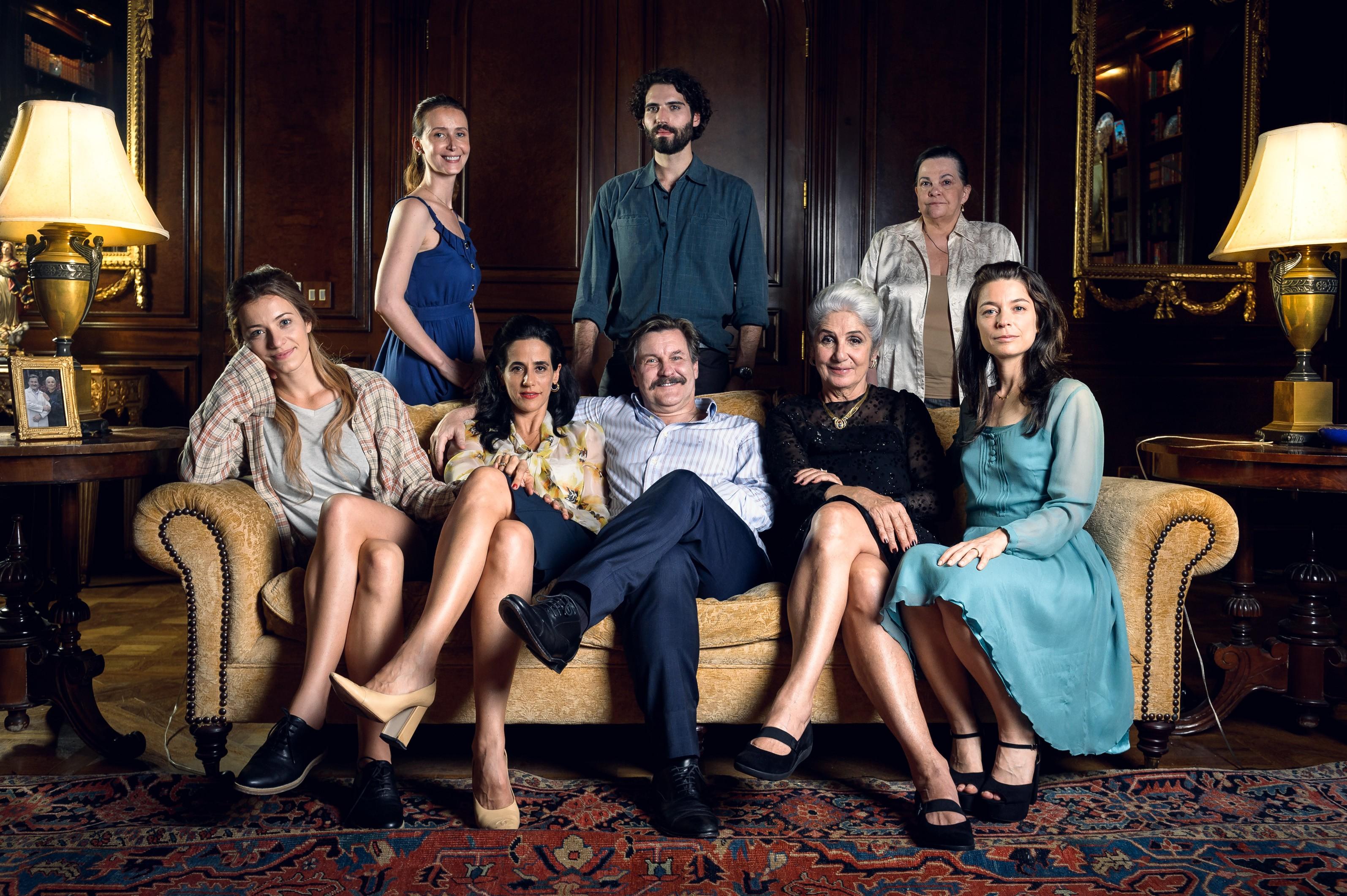A família protagonista de Assédio, nova minissérie da Globo (Foto: Divulgação)