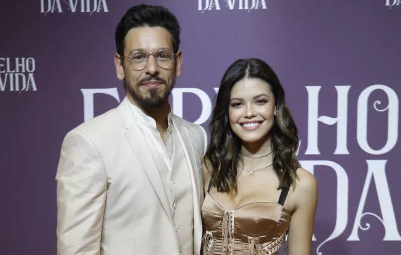 João Vicente de Castro e Vitória Strada na festa de lançamento da novela (Foto: Artur Meninea / Gshow)