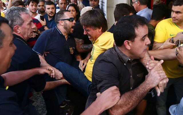 Tem Na Web - Jair Bolsonaro volta a se sentir mal e é submetido a nova cirurgia de emergência
