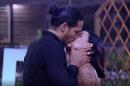 Em A Fazenda, Gabi Prado e João Zoli se beijaram