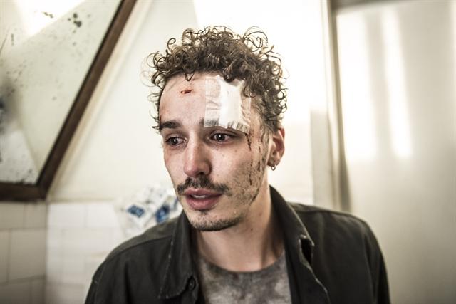 Gabriel Stauffer (Gustavo) na 2ª temporada de Sob Pressão (Foto: Globo/Mauricio Fidalgo)