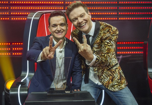 Leo Pain e Michel Teló (Foto: Raquel Cunha/TV Globo)