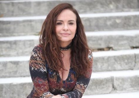 A atriz Luiza Tomé retorna á TV Globo após 14 anos longe. (Foto: Reprodução/Instagram)