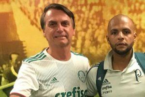 Jair Bolsonaro ao lado de Felipe Melo, jogador do Palmeiras. (Foto: Reprodução)