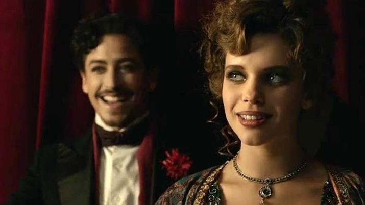 Jesuíta Barbosa e Bruna Linzmeyer estrelam o filme O Grande Circo Místico. (Foto: Divulgação)