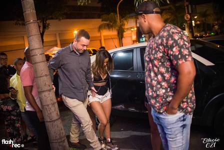 Anitta curte balada em boate da Zona Norte do Rio Foto: Flash2rec/ reprodução do Facebook