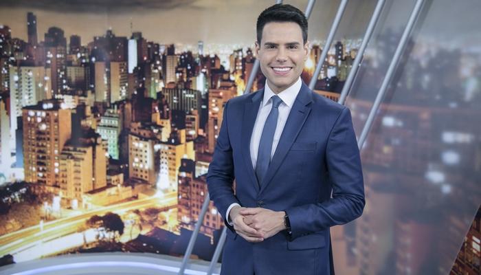 O apresentador Luiz Bacci no Cidade Alerta (Foto: Edu Moraes/Record)