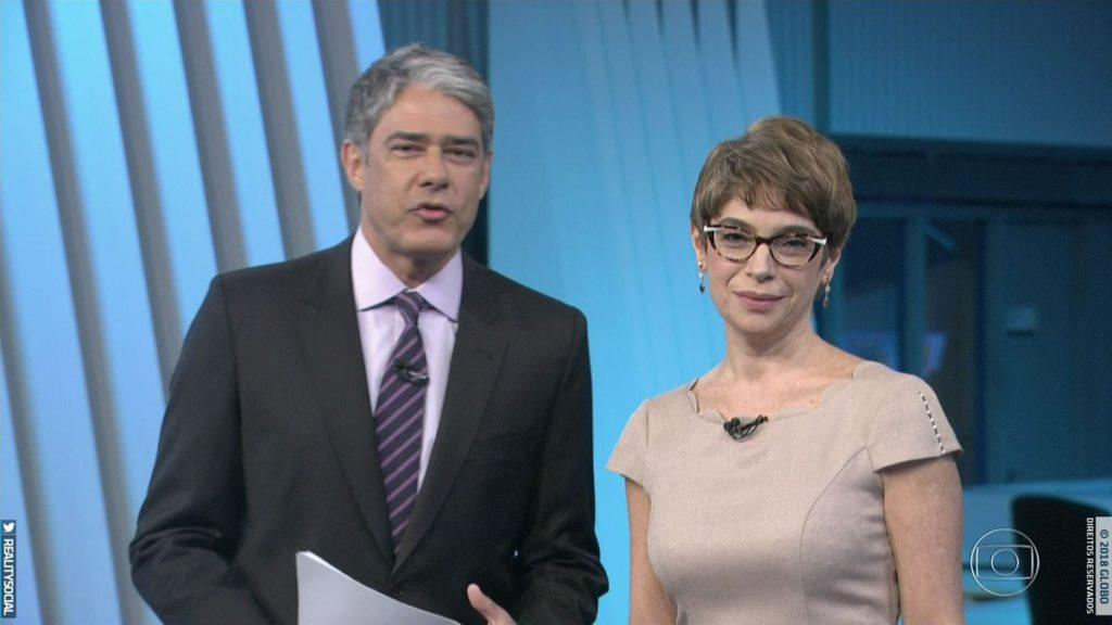 William Bonner e Renata na cobertura das eleições na Globo (Foto: Reprodução)